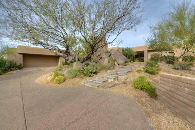 Photo of 10928 E Graythorn Drive, Scottsdale, AZ 85262