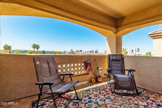 Photo of 920 E DEVONSHIRE Avenue #4003, Phoenix, AZ 85014