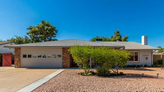 Photo of 11034 S TOMAH Street, Phoenix, AZ 85044