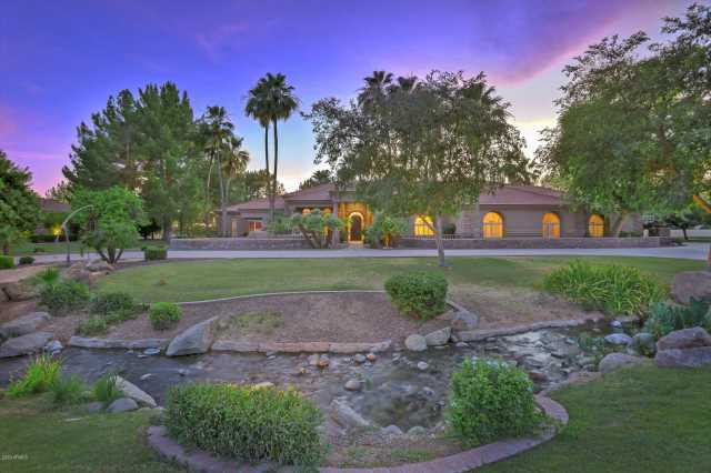 Photo of 3 E OAKWOOD HILLS Drive, Chandler, AZ 85248