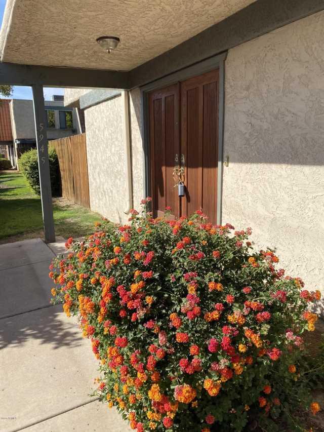 Photo of 5945 W GOLDEN Lane, Glendale, AZ 85302