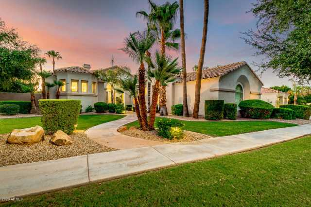 Photo of 1764 W BLUE RIDGE Way, Chandler, AZ 85248