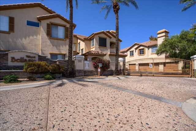 Photo of 2992 N MILLER Road #B214, Scottsdale, AZ 85251