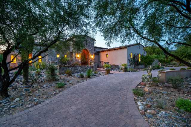 Photo of 10114 E HUALAPAI Drive, Scottsdale, AZ 85255