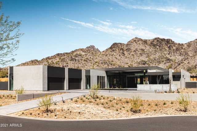 Photo of 3310 E STELLA Lane, Paradise Valley, AZ 85253