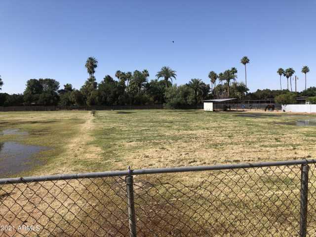 Photo of 5035 W PORT AU PRINCE Lane, Glendale, AZ 85306