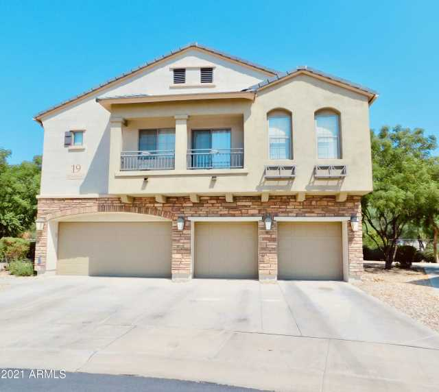 Photo of 439 N 168TH Drive, Goodyear, AZ 85338