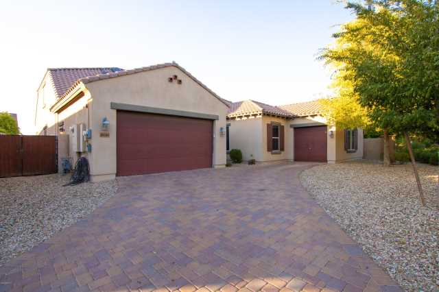Photo of 16044 W HARVARD Street, Goodyear, AZ 85395