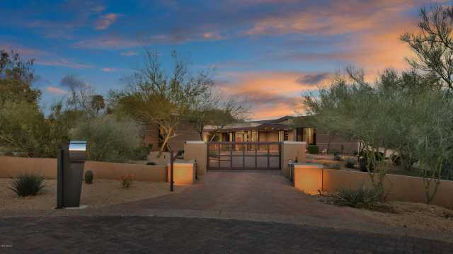 Photo of 6817 N 46TH Place, Paradise Valley, AZ 85253