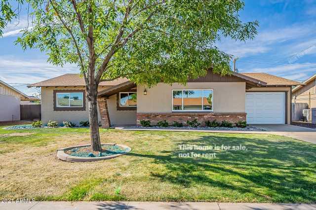 Photo of 481 W IVANHOE Place, Chandler, AZ 85225