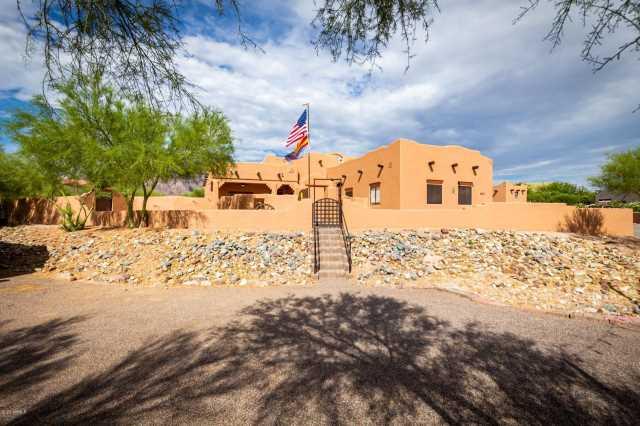 Photo of 123 S ROADRUNNER Road, Apache Junction, AZ 85119