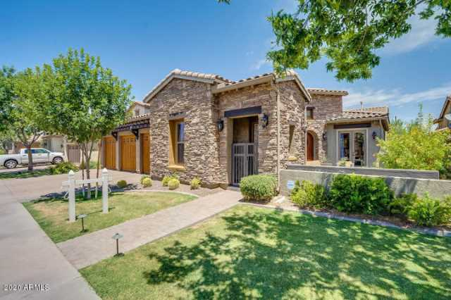 Photo of 694 E SUNBURST Lane, Tempe, AZ 85284