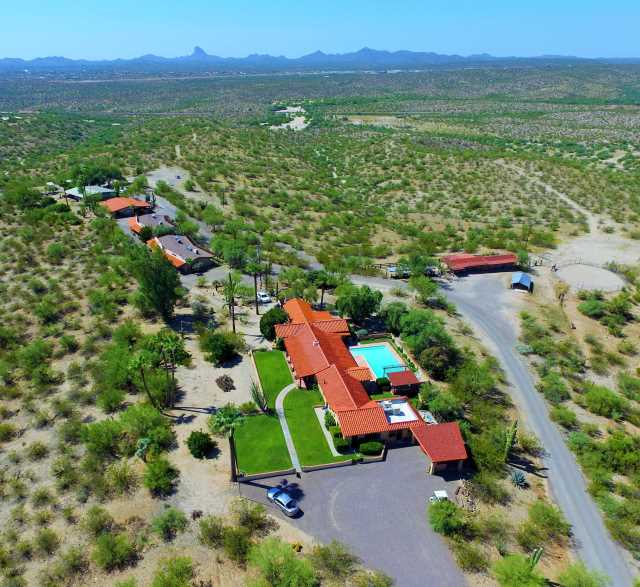 Photo of 56550 N RANCHO CASITAS Road, Wickenburg, AZ 85390