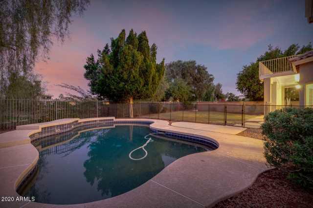 Photo of 1762 W REDFIELD Road, Gilbert, AZ 85233