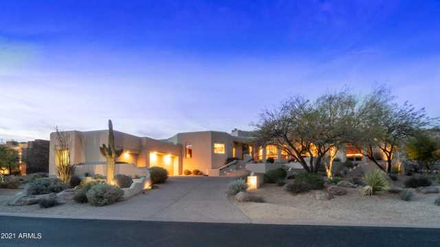 Photo of 14261 S CANYON Drive, Phoenix, AZ 85048
