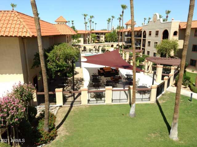Photo of 10330 W THUNDERBIRD Boulevard #C301, Sun City, AZ 85351