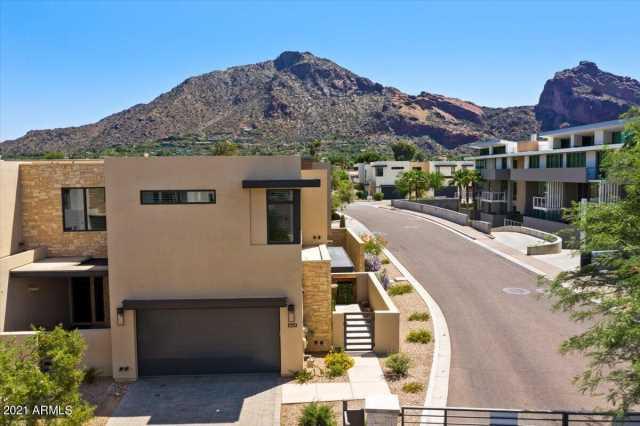 Photo of 5529 E STELLA Lane #222, Paradise Valley, AZ 85253