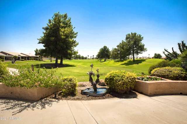 Photo of 553 W CHAMPAGNE Drive, Sun Lakes, AZ 85248