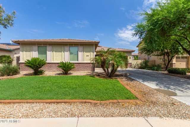 Photo of 15640 W WESTVIEW Drive, Goodyear, AZ 85395