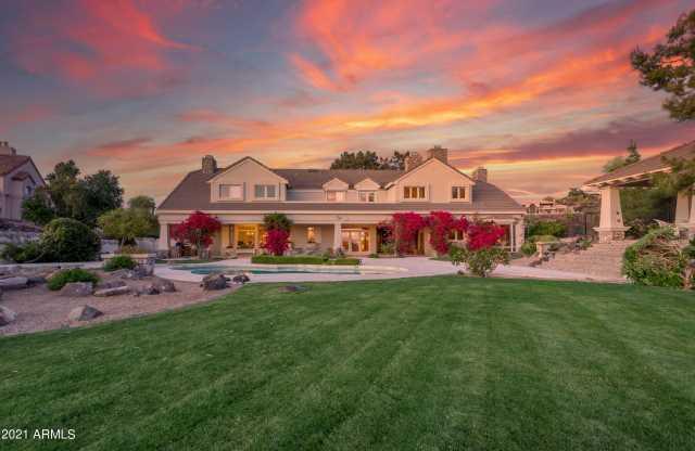 Photo of 14442 N 15th Drive, Phoenix, AZ 85023