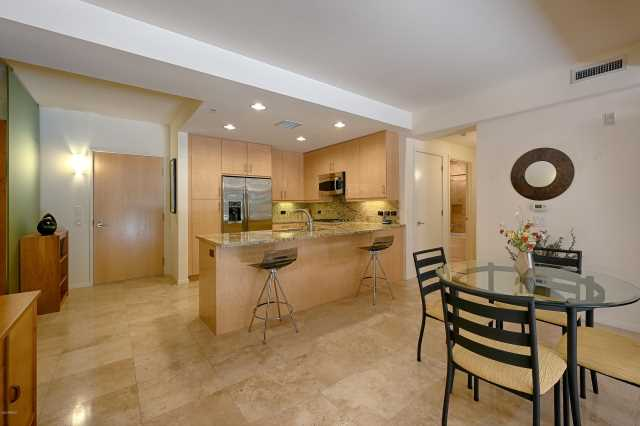 Photo of 7121 E Rancho Vista Drive #2007, Scottsdale, AZ 85251