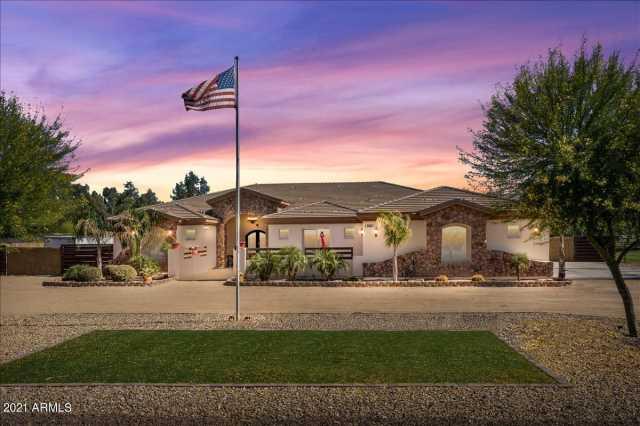 Photo of 17421 W MARYLAND Avenue, Waddell, AZ 85355