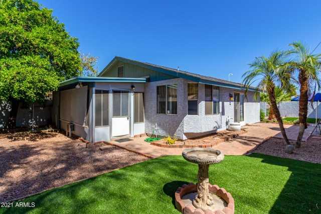 Photo of 1835 W EL MONTE Place, Chandler, AZ 85224