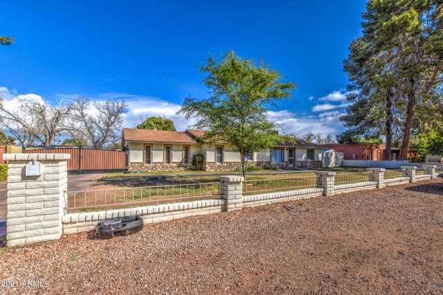 Photo of 9002 W LAWRENCE Lane, Tolleson, AZ 85353