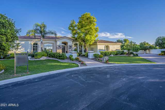 Photo of 3555 E JASMINE Circle, Mesa, AZ 85213