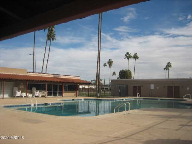 Photo of 610 N PIONEER Circle, Mesa, AZ 85203