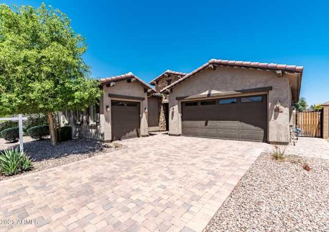 Photo of 882 E Horseshoe Place, Chandler, AZ 85249