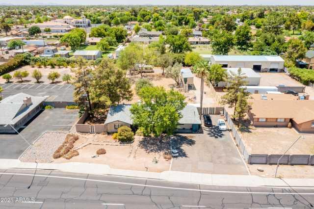 Photo of 2047 W ELLIOT Road, Chandler, AZ 85224