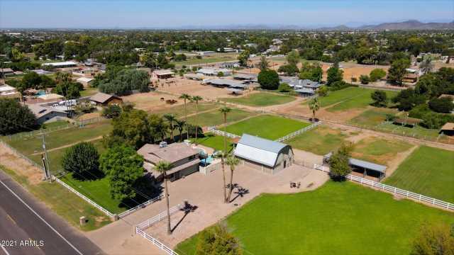 Photo of 4546 W ACOMA Drive, Glendale, AZ 85306