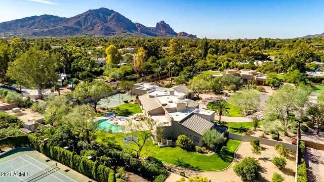 Photo of 6725 N 65TH Place, Paradise Valley, AZ 85253