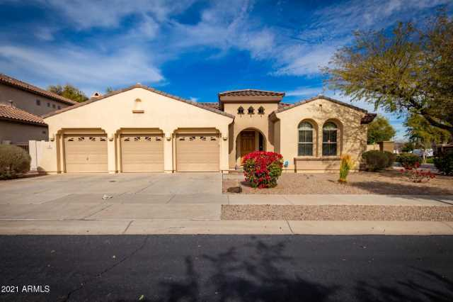 Photo of 696 W MESQUITE Lane, Litchfield Park, AZ 85340