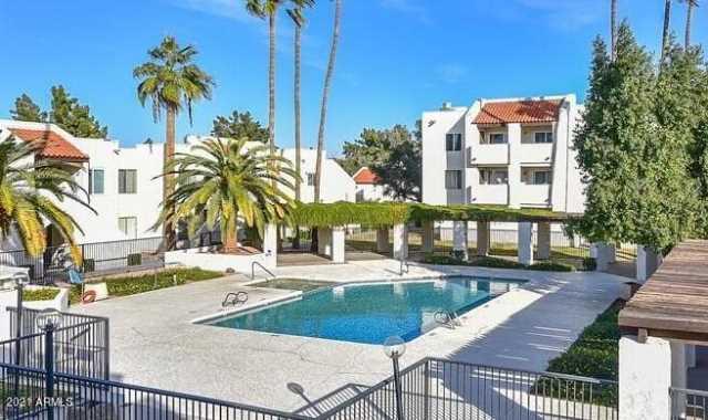 Photo of 4730 W NORTHERN Avenue #1130, Glendale, AZ 85301