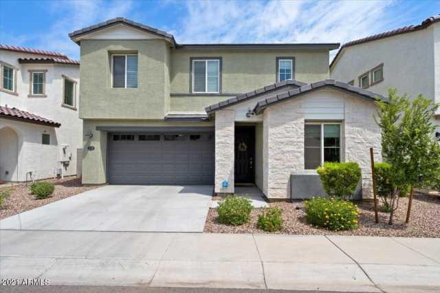 Photo of 3718 E CHEERY LYNN Road, Phoenix, AZ 85018