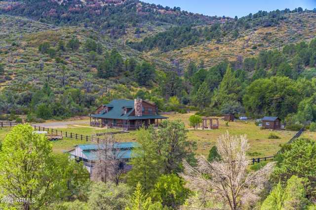Photo of 18675 S MINERS CAMP Road, Kirkland, AZ 86332