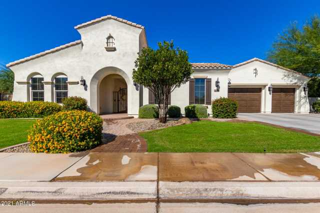 Photo of 3420 E LYNX Place, Chandler, AZ 85249