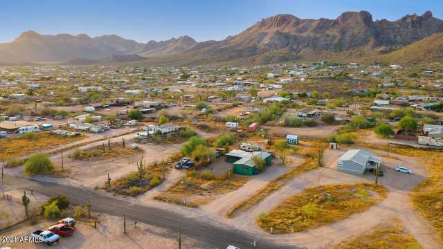 Photo of 928 W FRONTIER Street, Apache Junction, AZ 85120