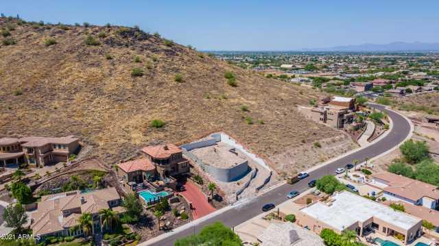 Photo of 6127 W ALAMEDA Road, Glendale, AZ 85310