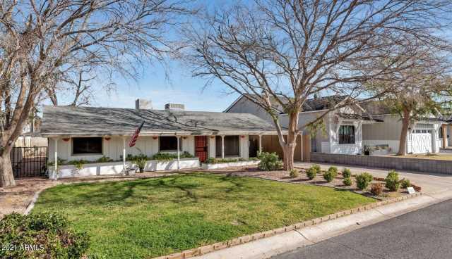 Photo of 3524 E GLENROSA Avenue, Phoenix, AZ 85018