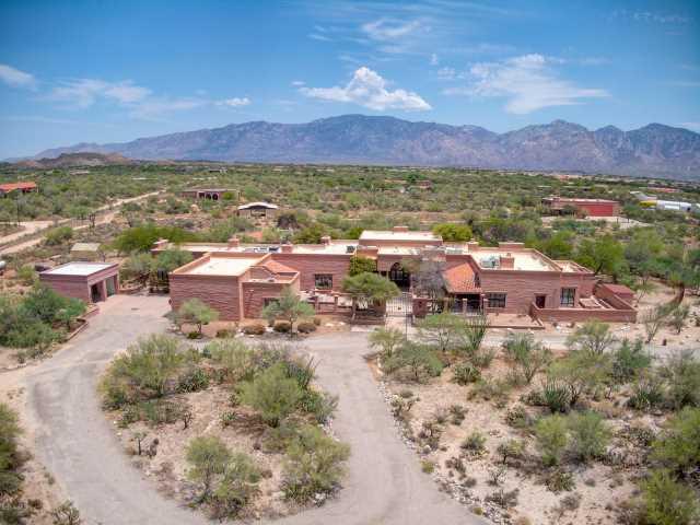 Photo of 1620 W NINER Way, Tucson, AZ 85755