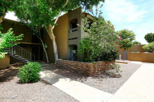 Photo of 3825 E CAMELBACK Road #161, Phoenix, AZ 85018