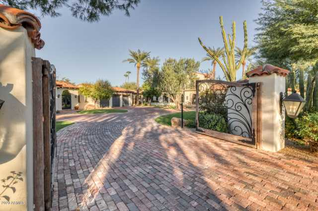 Photo of 8389 N 58TH Place, Paradise Valley, AZ 85253