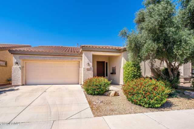 Photo of 4484 E CAROB Drive, Gilbert, AZ 85298