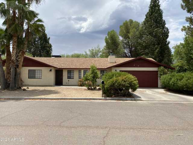 Photo of 725 SUNFLOWER Avenue, Wickenburg, AZ 85390