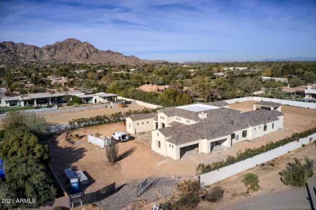 Photo of 6830 E HUMMINGBIRD Lane, Paradise Valley, AZ 85253