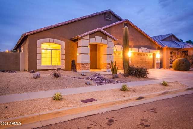 Photo of 906 E BEAUTIFUL Lane, Phoenix, AZ 85042