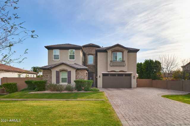 Photo of 5027 E EARLL Drive, Phoenix, AZ 85018